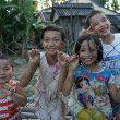 Niños jugando en Vietnam